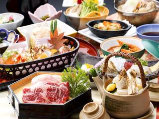 【岩手県産牛と八幡平産杜仲茶ポークの和食膳】一品一品趣向を凝らした料理を五感でお楽しみください。