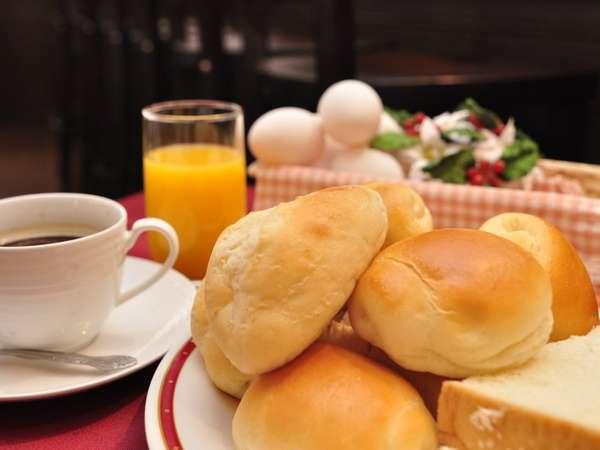 おすすめの無添加酵母パン*バイキング朝食の一例