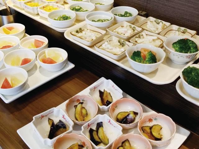 朝食(コロナ対策中)1