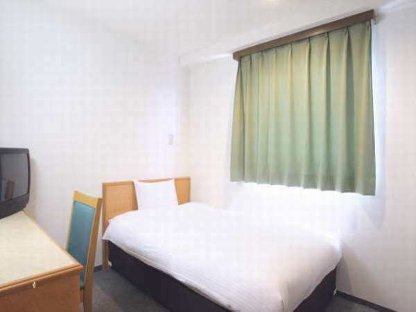 【シングル】シンプルながら機能的にまとめられた清潔感溢れるお部屋。