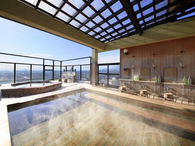 ■最上階にございます 総ひのき造りの展望露天風呂