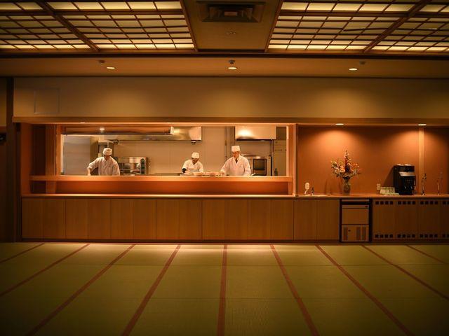 3月1日リニューアルOPEN オープンキッチン「飛泉」~コンセプトは、出来立て料理をご用意致します。
