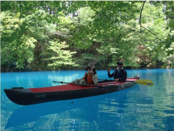 【神秘のshima blueを満喫★奥四万湖でカヌー体験】漕いだ人だけが味わえる癒しの時間