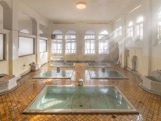 【元禄の湯】モダンなホール風に建設された「元禄の湯」