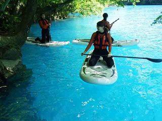美しい四万ブルーと緑豊かな奥四万湖でSUP体験!
