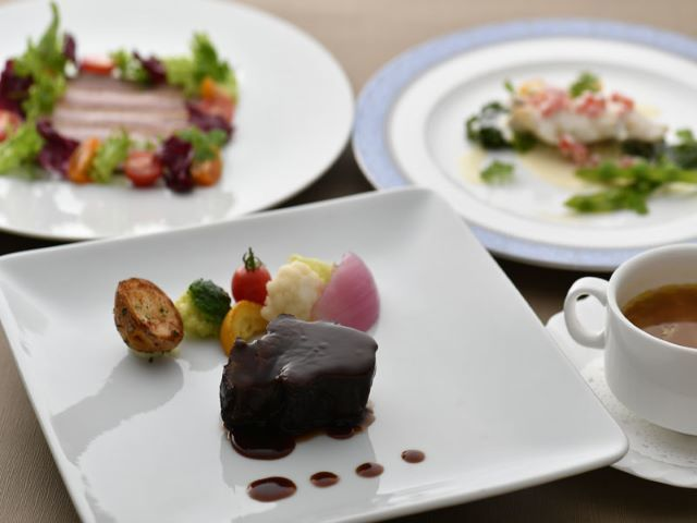 【KKR HOTEL TOKYO都民限定】パレス フレンチプラン朝食、夕食の二食付 国家公務員(現職・OBの方)とその扶養家族の皆様