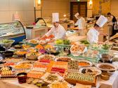 【ご夕食】和洋中ブッフェ一例:和洋中の各シェフが手がける味わいをぜひご賞味下さい!