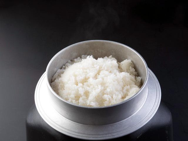 <GoToトラベルキャンペーン割引対象><br>【ブランド米≪蛍米≫を釜炊きで】釜で炊いたごはんはふっくら美味しい♪♪お家でも蛍米!プチお土産付き