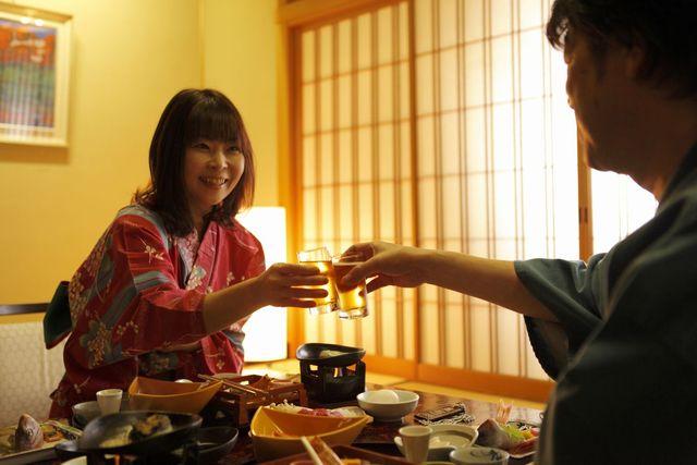【カップル女性半額】◆彼女も喜ぶ♪特典付で、この価格!温泉付き客室のんびり 2人時間/お部屋食