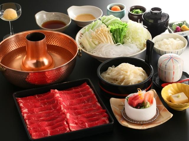 ご夕食 しゃぶしゃぶ食べ放題  肉野菜おかわり自由!