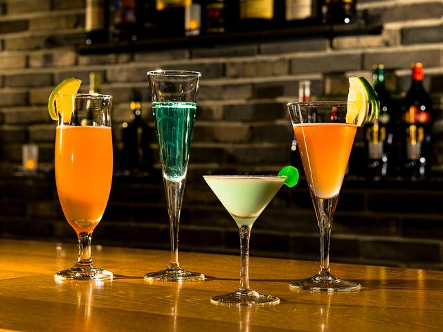 ホテルのバーより、コンサートのお飲み物をご用意いたします。