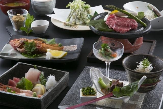 信州ブランド食材をふんだんに使用した和菜会席です。 その中でも質にこだわりました。