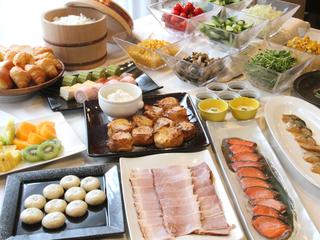 ~50平米以上の広々客室と地元食材にこだわった和洋バイキング朝食付きプラン~