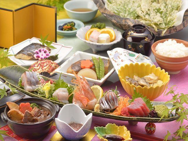 2016年夏の夕食メニュー(イメージ)※日替わりで内容が変更となる場合がございます。