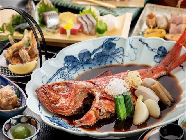 名物「金目鯛の姿煮」のふわっふわの食感と深い味わいを是非ご堪能下さい!