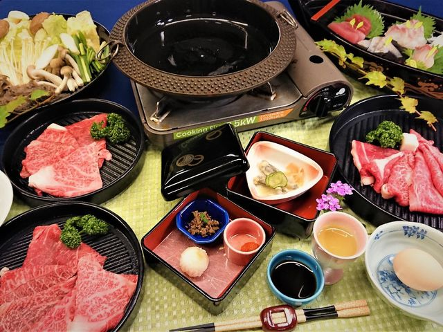 ★最高級みかわ牛が330g★肉好きには堪らない!お肉たっぷり贅沢すき焼き&地魚舟盛の超満足プラン!