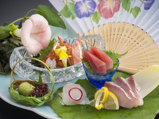 【夏期限定】伊勢志摩で「夏の美食」を堪能☆鮑バター焼、岩牡蠣を味わう♪こだわりの『特選和食』会席