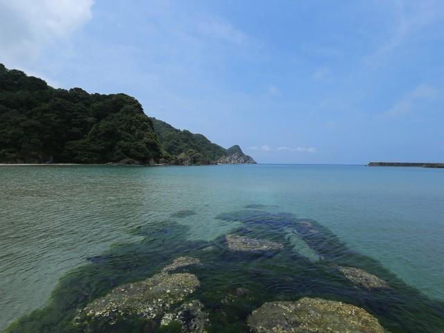 【居組(いぐみ)県民サンビーチ】青い海と空、白い砂浜(当館より車約25分)
