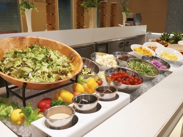 朝食:サラダコーナー※イメージ