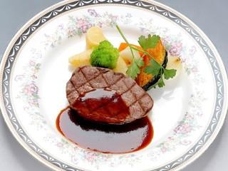 【夕食は料理長自慢のステーキコース!】2食付でホテル満喫プラン♪(夕朝食付)