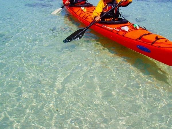 シーカヤックに乗って、海上散歩を体験しませんか。