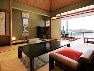 夕凪の棟|和室・和洋室は、夕凪の棟の3階に位置し美しい夕日がご覧頂けるお部屋