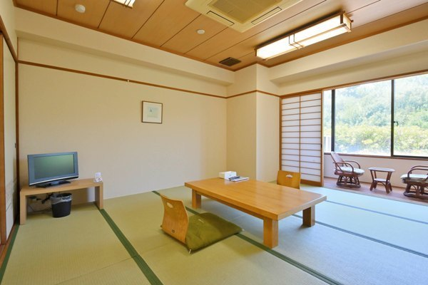 禁煙和室 8畳・10畳<br>Japanese‐style room Non-smoking