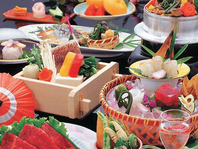 【個室食】ゆっくりとあなただけの個室でお食事をお愉しみ下さい(一例)