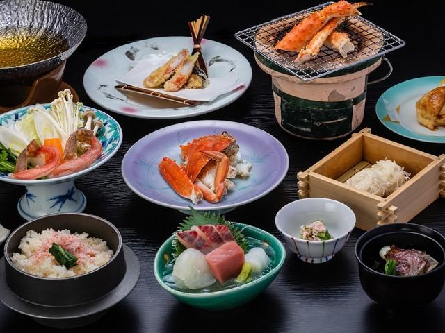 【肥前会席(蟹会席)】近海で獲れた新鮮な魚介と蟹料理も楽しめる季節の会席 ※イメージ