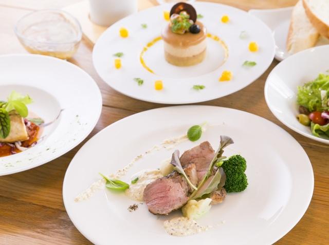 11:00からご案内しますブランチコース(6品)はメインを肉か魚かお好みでお選び下さい。[お料理の一例]