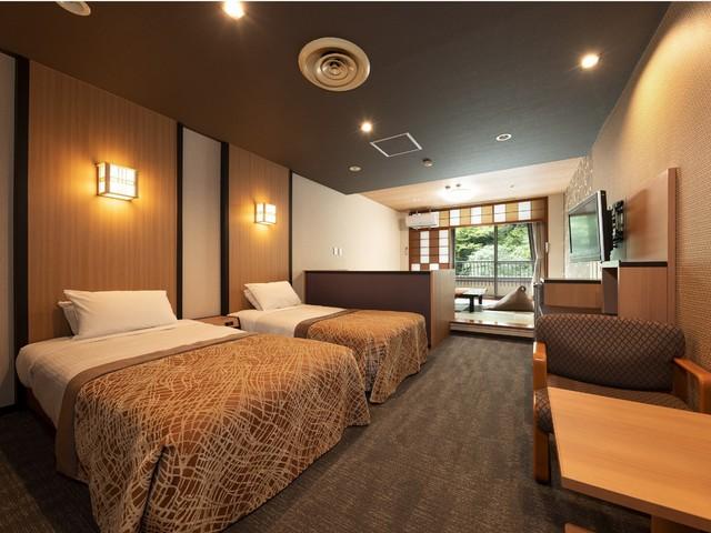 【7F和洋室一例】ベッド2台の洋室+6畳以上の和室。畳でゴロゴロ、寝るのはベッド派の方に。