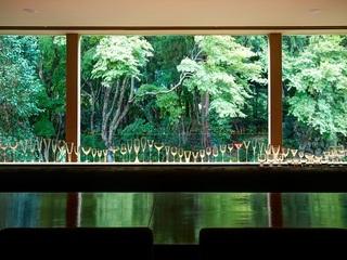 夏はカクテルを楽しむ♪カウンター席がお勧め!大パノラマ窓から雨雫と緑を眺めお洒落なBARで何度も乾杯♪カクテル飲み放題&チョコ蕨餅のデザート付◇最幸な夜プラン◇