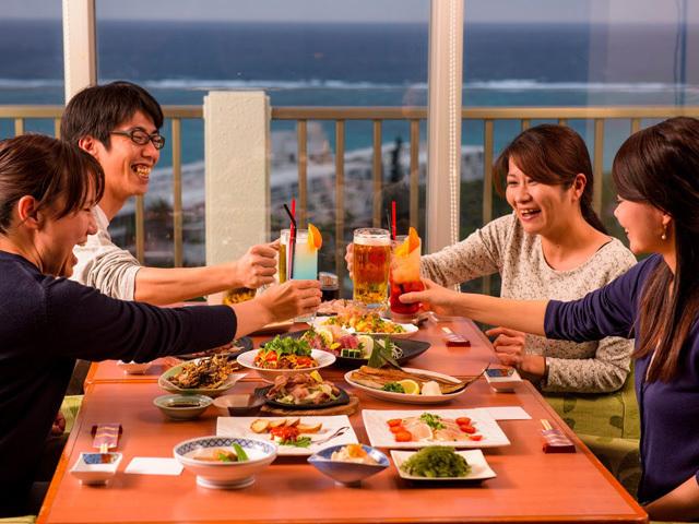 美味しい料理と景観をつまみに、盛り上がる事間違いありません。