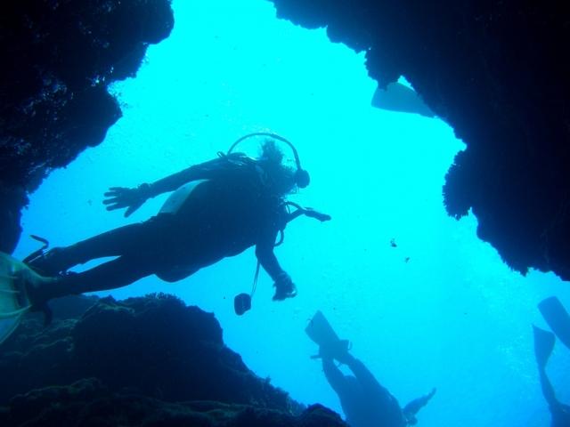 【青の洞窟】神秘的に青く輝く美しい洞窟で感動体験※プランイメージ