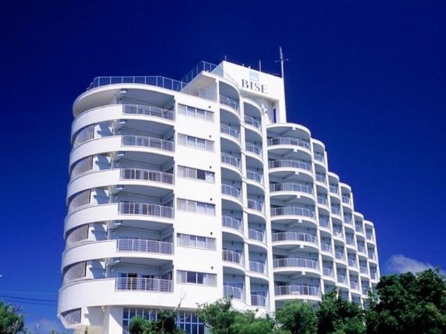 外観|亜熱帯の雄大な自然に包まれた本部半島に位置する「ホテル ゆがふいんBISE」